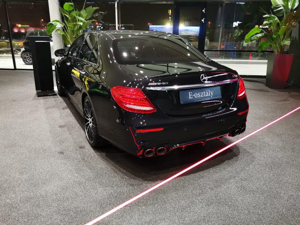 Mercedes-Benz Hovány